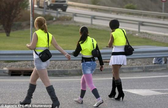 Atstarojošās vestes itālijas prostitūtām